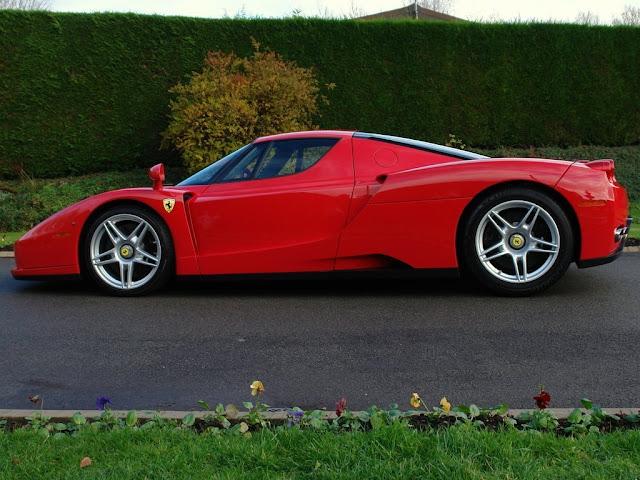 Gambar Mobil Sport Ferrari Enzo 10