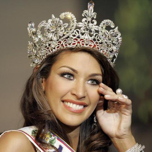 Miss venezuela stefania fernandez is miss universe 2009 the new miss universe is miss venezuela stefania fernandez