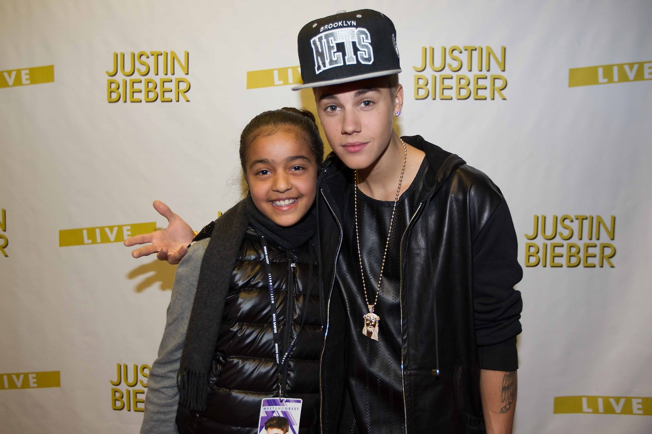 I am fake beliebers justin bieber at meet greet manchester justin bieber at meet greet kristyandbryce Image collections