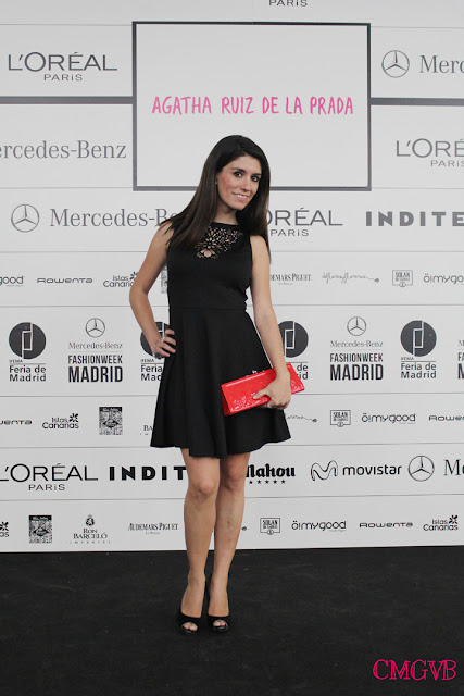 diana dazzling, fashion blogger, fashion, blog,  cmgvb, como me gusta vivir bien, MBFW, cibeles, fashion week, Madrid, little black dress, red clutch, photocall