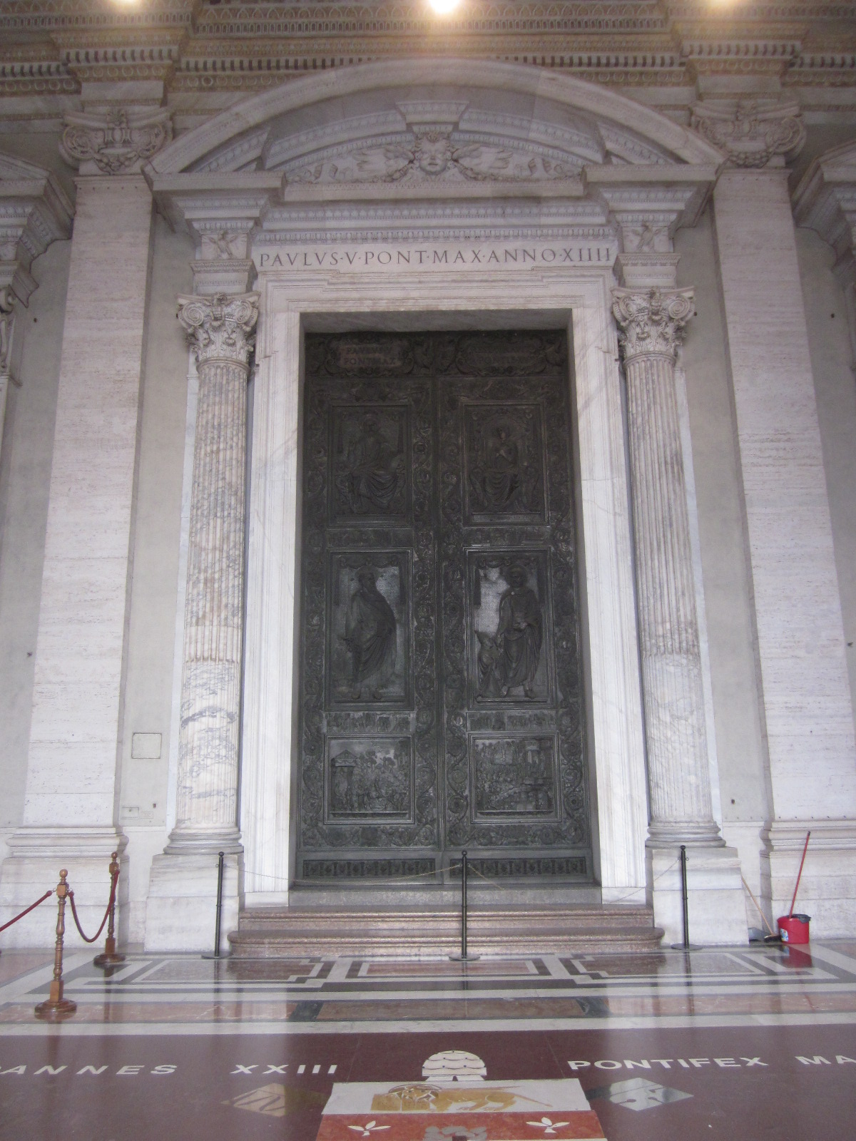 Bronze doors of Filarete & Sights of Rome: Bronze doors of Filarete