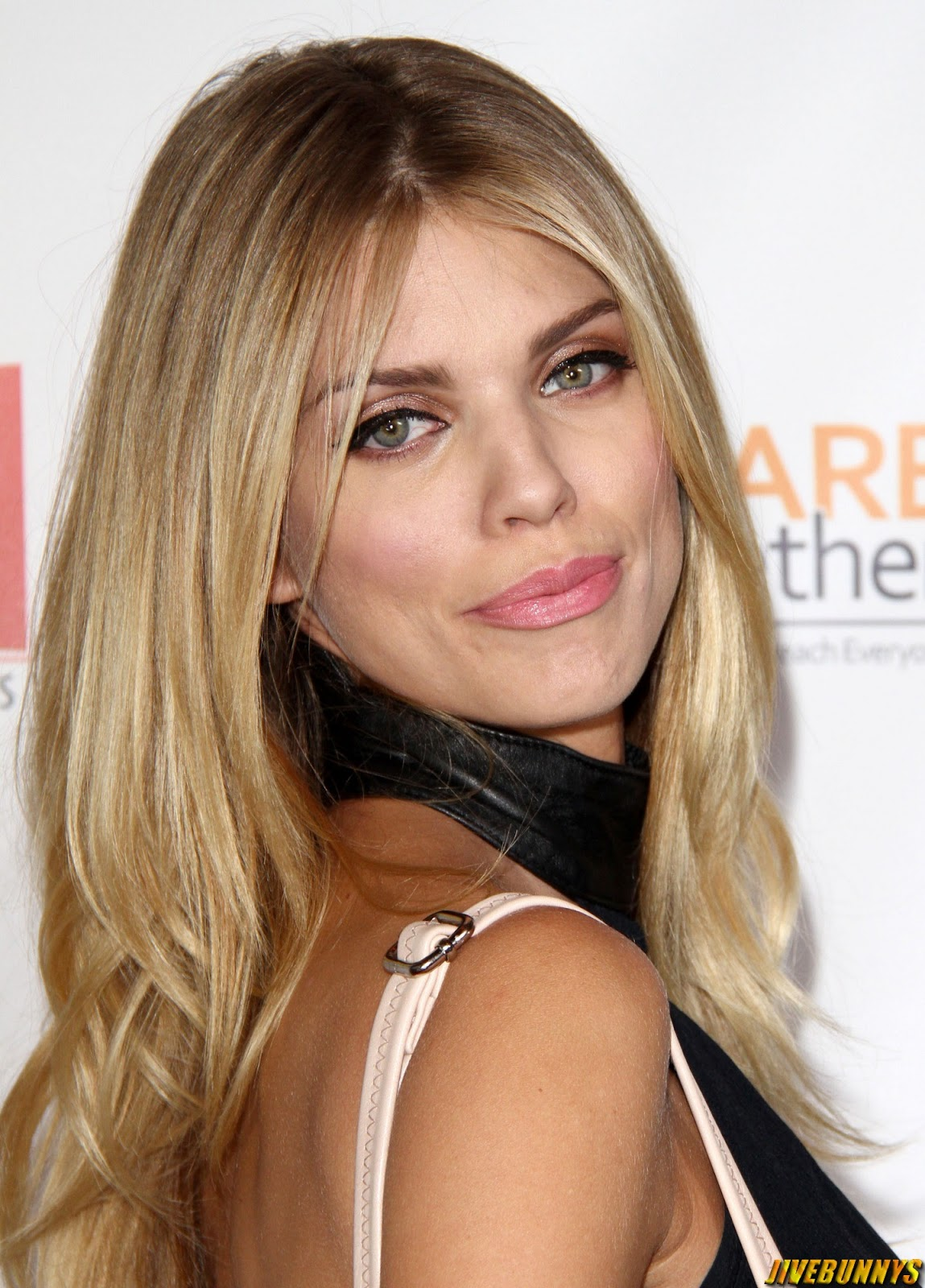 AnnaLynne McCord - Premiere of '8 DAYS' in Los Angeles - 09/09/2014