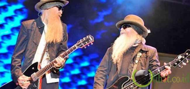 Duo bintang rock tolak uang masing-masing Rp 9,9 miliar