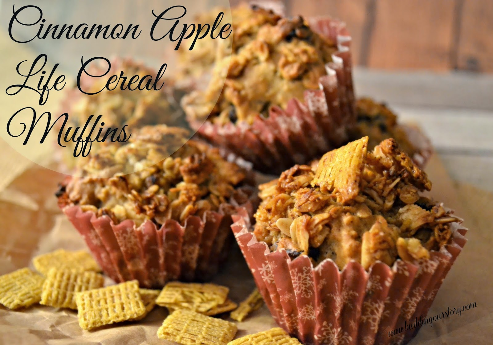 Cinnamon Apple Life Cereal Breakfast Muffins.  Cereal topped muffins.  Healthy Muffins for kids.  Cinnamon Apple Muffin recipe.  Apple Raisin Muffins.  Breakfast muffin recipes.