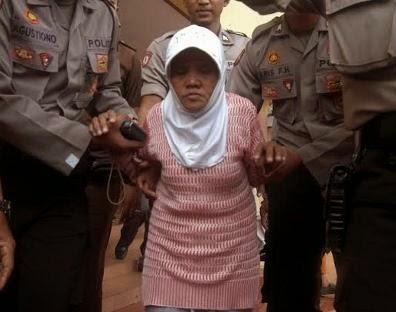 Kasus Nenek Asyani Menebang Pohon Jati