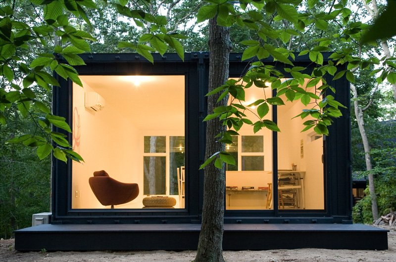 Shipping container homes shipping container art studio for Studio conteneur