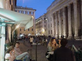 mangiare, lugarzinhos, roma, Italia, vinho, Frascati, wine, winetasting, piazza di pietra, templo de Adriano, winelovers, Roma 4 Estações