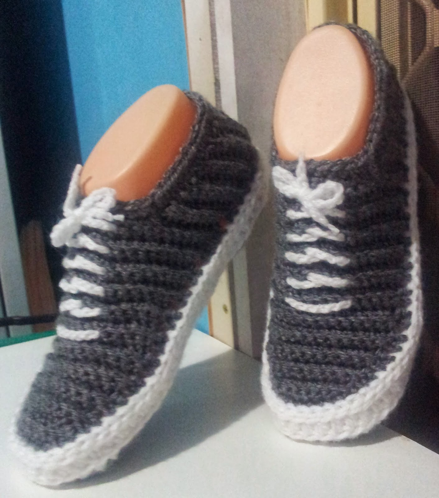 Free Knitting Pattern For Baby Tennis Shoes : slippers Tumblr