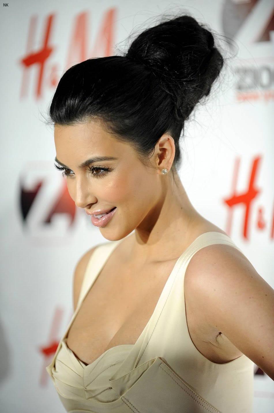 http://4.bp.blogspot.com/-PXkPVuOExY0/TbS4-qifTcI/AAAAAAAADvE/pFMb-FmMOPA/s1600/kim_kardashian_dress%2B%25288%2529.jpg