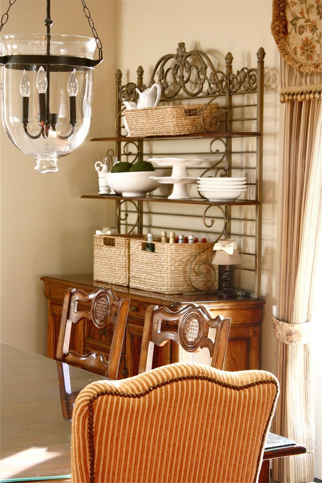 Cape cod dining room furniture