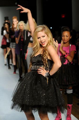 Avril Lavigne's clothing line: skater-girl style and beyond