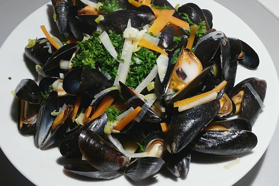 Kulinarische welten zu fisch und meeresfrucht - Miesmuscheln kochen ...