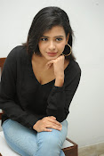 Hebah Patel glam pics in black top-thumbnail-5