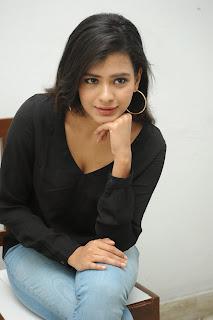 Hebah Patel glamorous Pictures in black 032.jpg