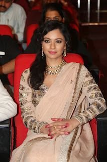 Pooja Kumar Spotted in Lovely Saree at Uttama Villain Telugu Movie Audio Launch