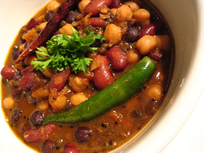 Black and Yellow Chickpeas in a Sweet and Spicy Sauce