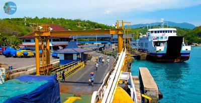 Pelabuhan Padang Bai Bali