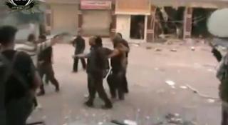 كتائب الفاروق تأسر شبيحة مبنى البلدية بالقصير 10-6-2012