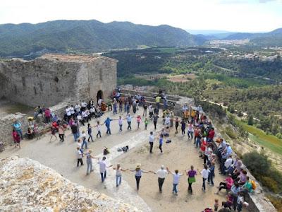Aplec del Castell de Claramunt - Primer de Maig de 2015 (Liudmila Liutsko)