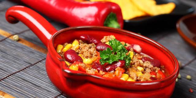 6 Bahaya Akibat Terlalu Sering Makan Makanan Pedas