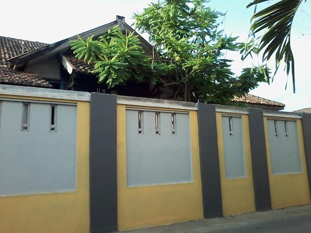 pagar halaman belakang