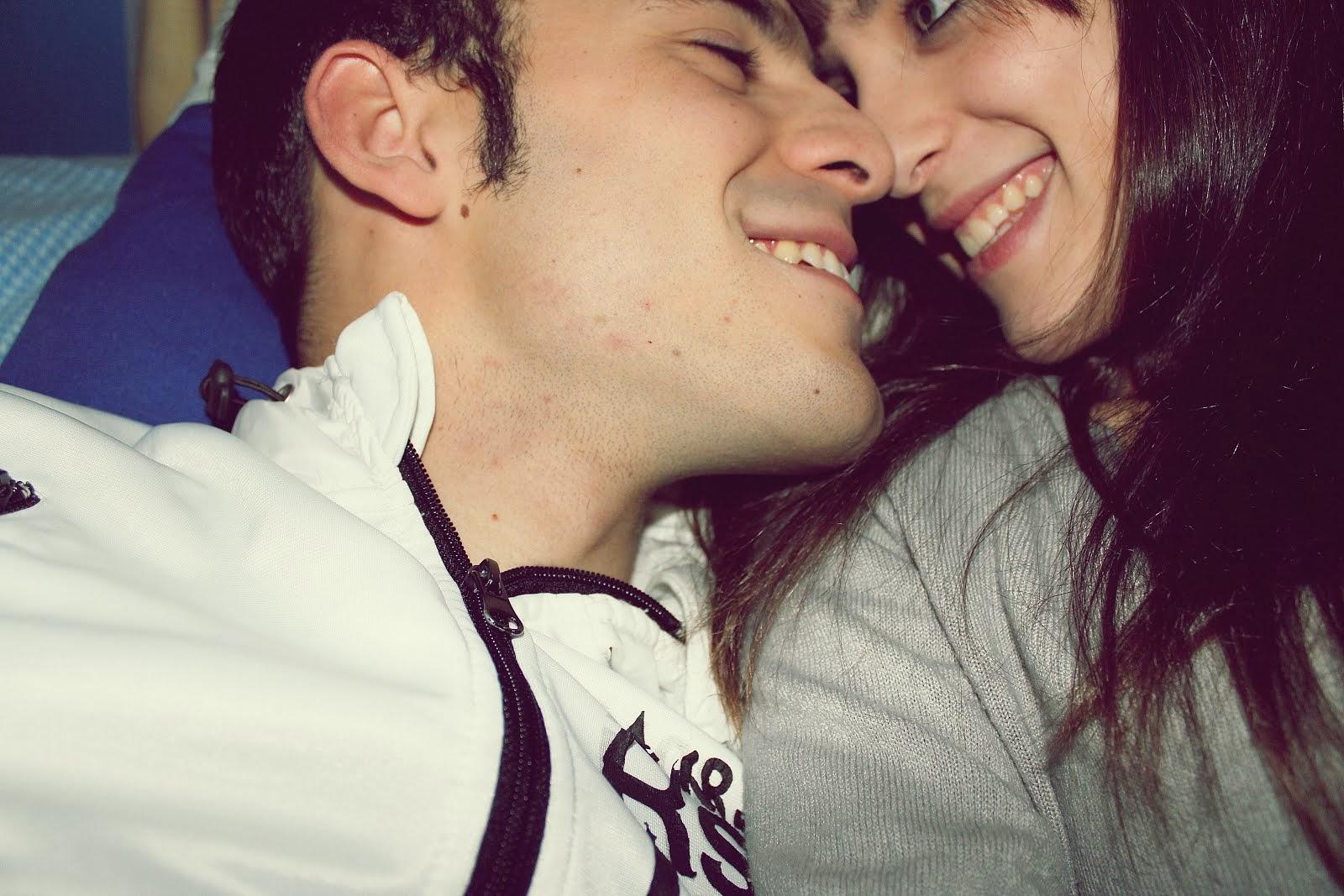 El mejor sentimiento del mundo es ver sonreir a alguien y saber que tú eres el motivo.