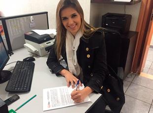 Danielle Rizzutti renova contrato com a Graça Music