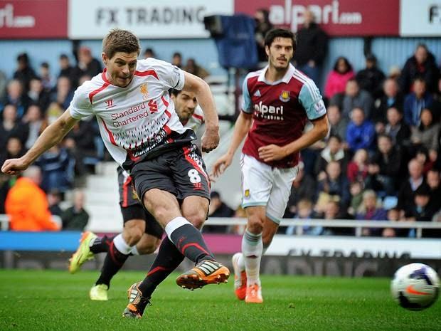 Steve Gerrard marcó dos penaltis para el Liverpool