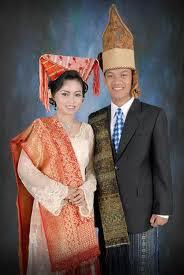 Busana Adat Sumatera Utara