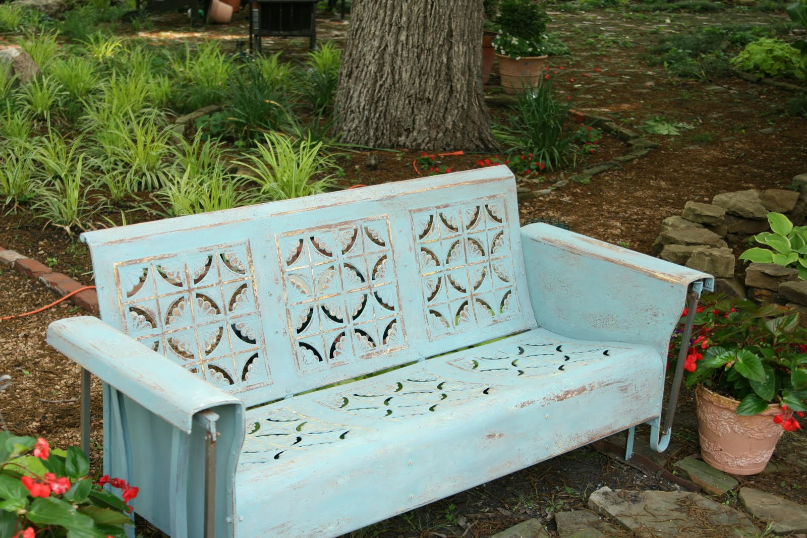 Annie Sloan Chalk Paint Tutorial Series for Outdoor Pieces Project 5