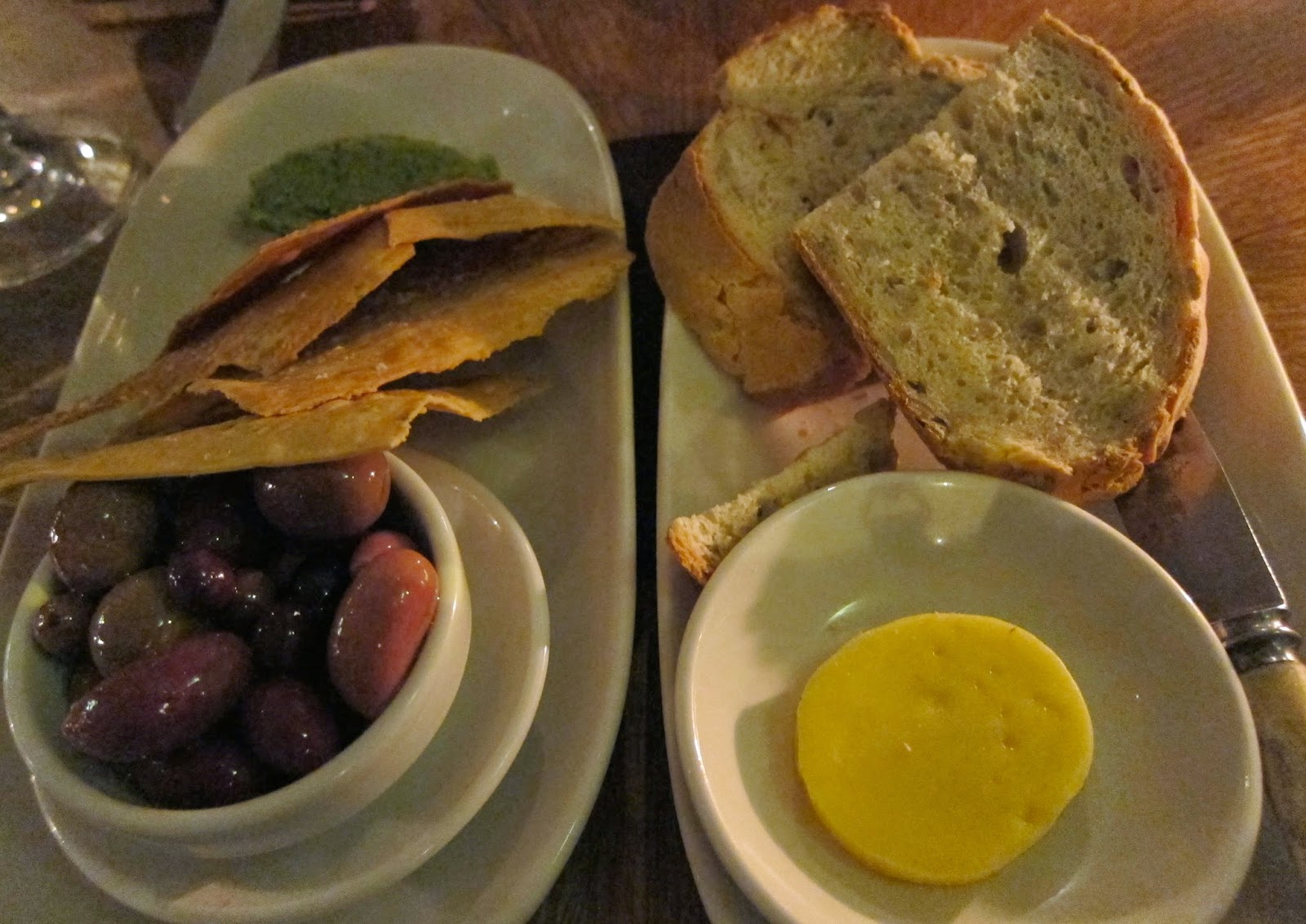 carlton wine room olives bread