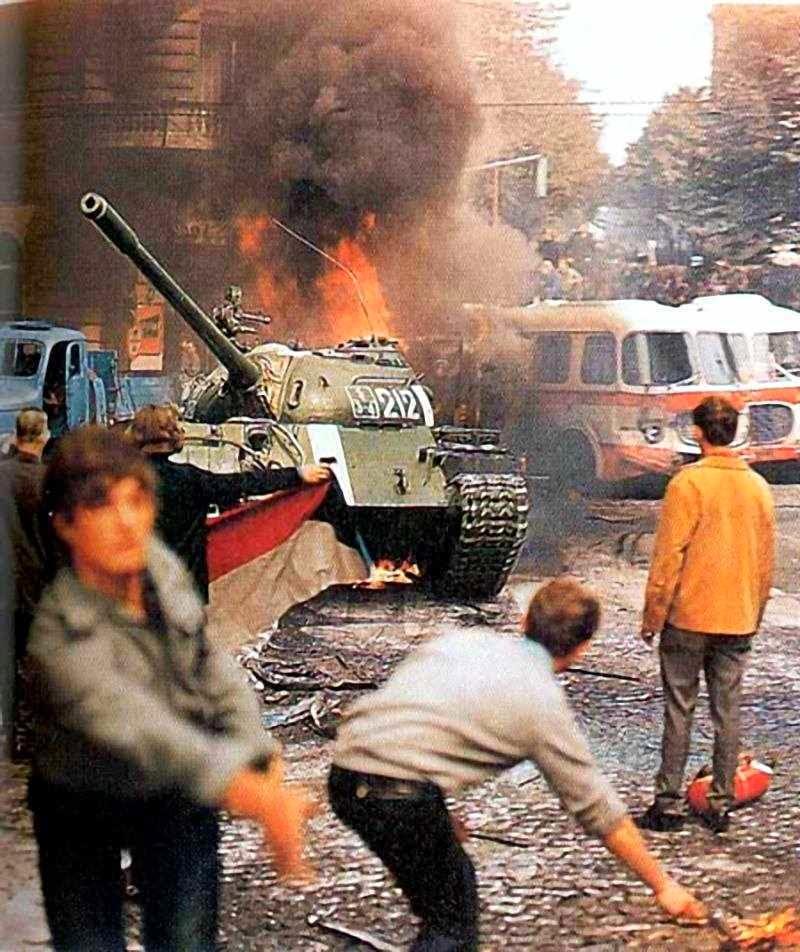 'Primavera de Praga' foi afogada a sangue e fogo