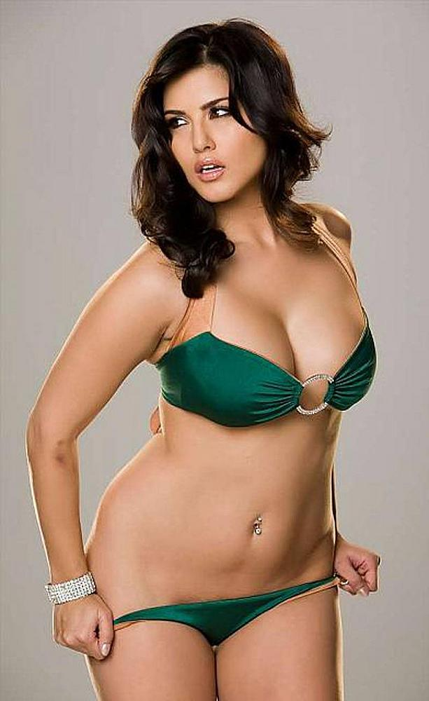 Sunny Leone Hot Sexy Bikini Photo