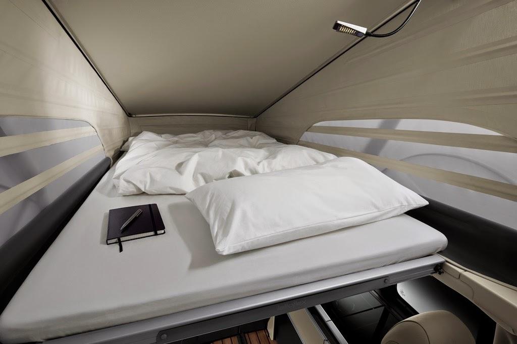 bett im aufstelldach schlafdach bettzeug kissen bettdecke spannbettlacken mercedes benz. Black Bedroom Furniture Sets. Home Design Ideas