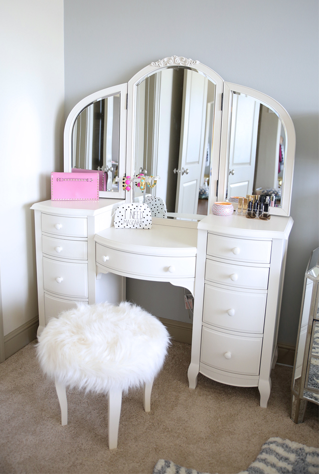 Southern Curls amp Pearls Bedroom Reveal