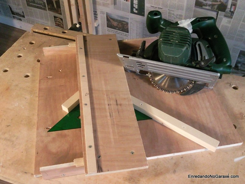 Circular saw miter cut jig, rummageinthegarage