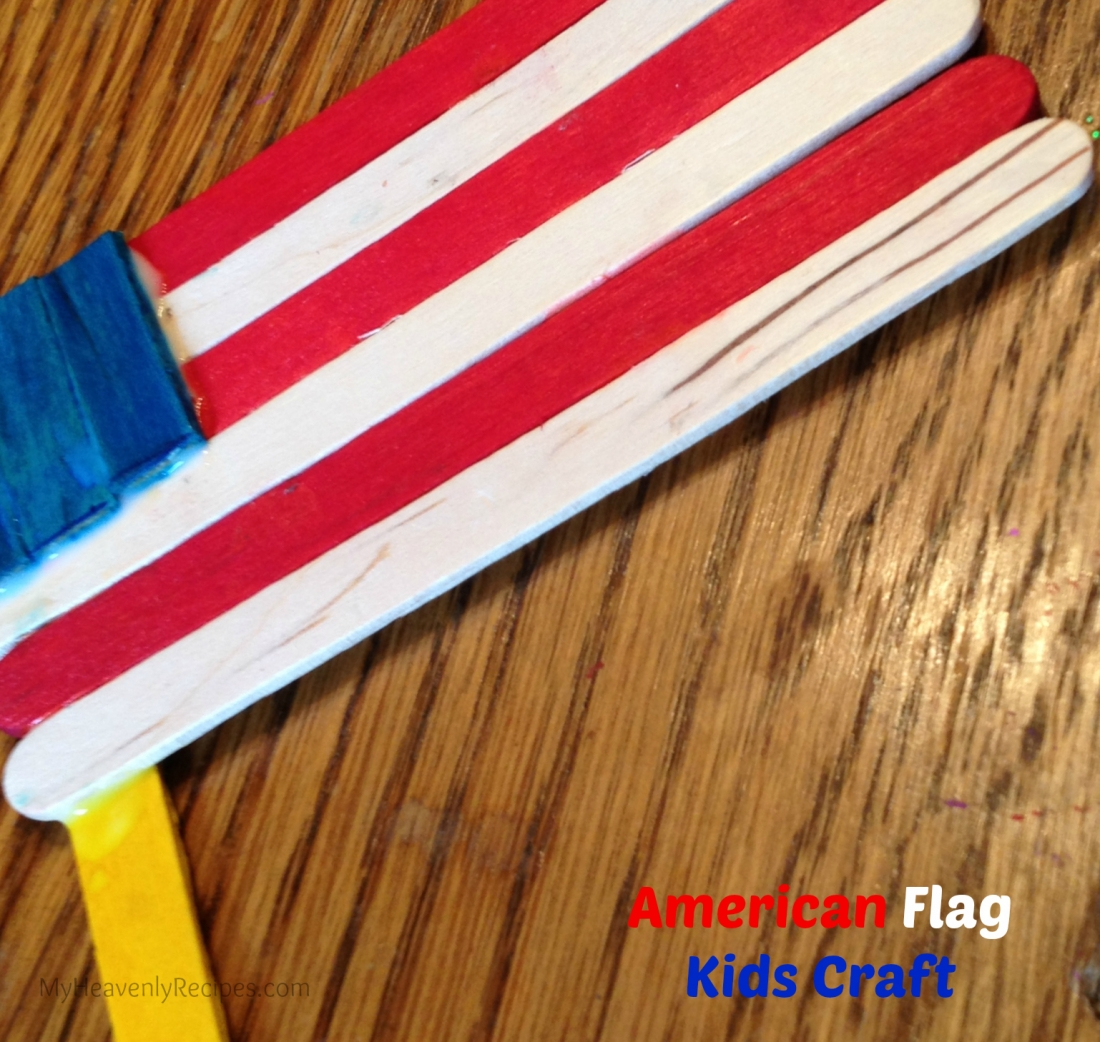 American Flag Popsicle Stick Craft | 20 Crafts for the 4th of July - Independence Day DIYs | directorjewels.com