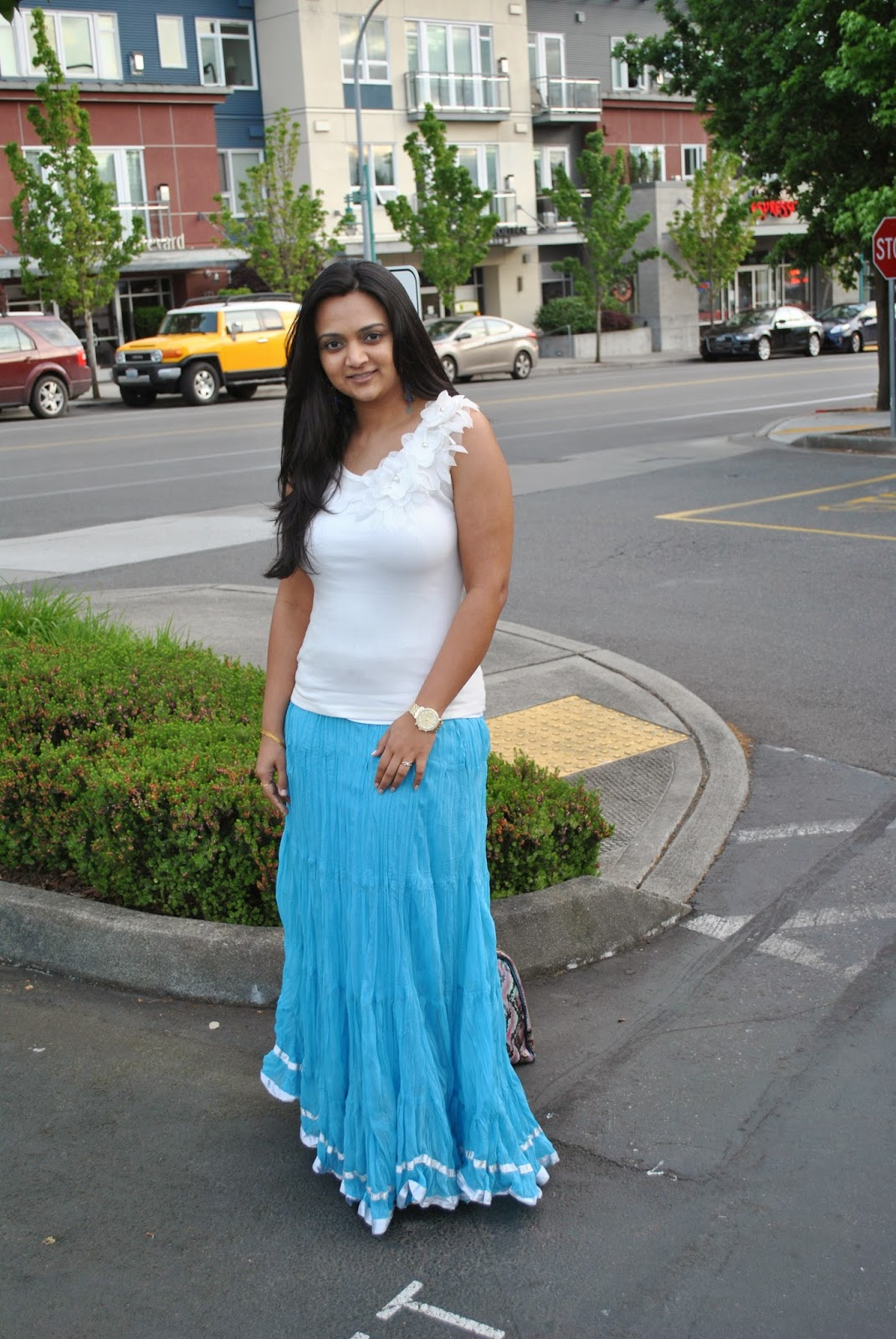 Seattle fashion blogger, Model wearing long skirts, Girl wearing long skirts, Indian summer dress tips, fashionable yet decent summer clothes, blue skirt and white top