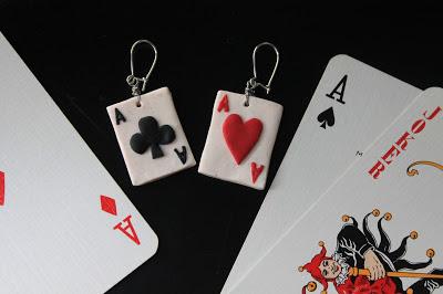 pendientes fimo cartas poker