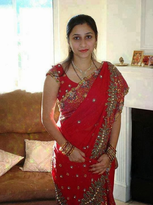 Desi Aunty Just Married Pic Gallery