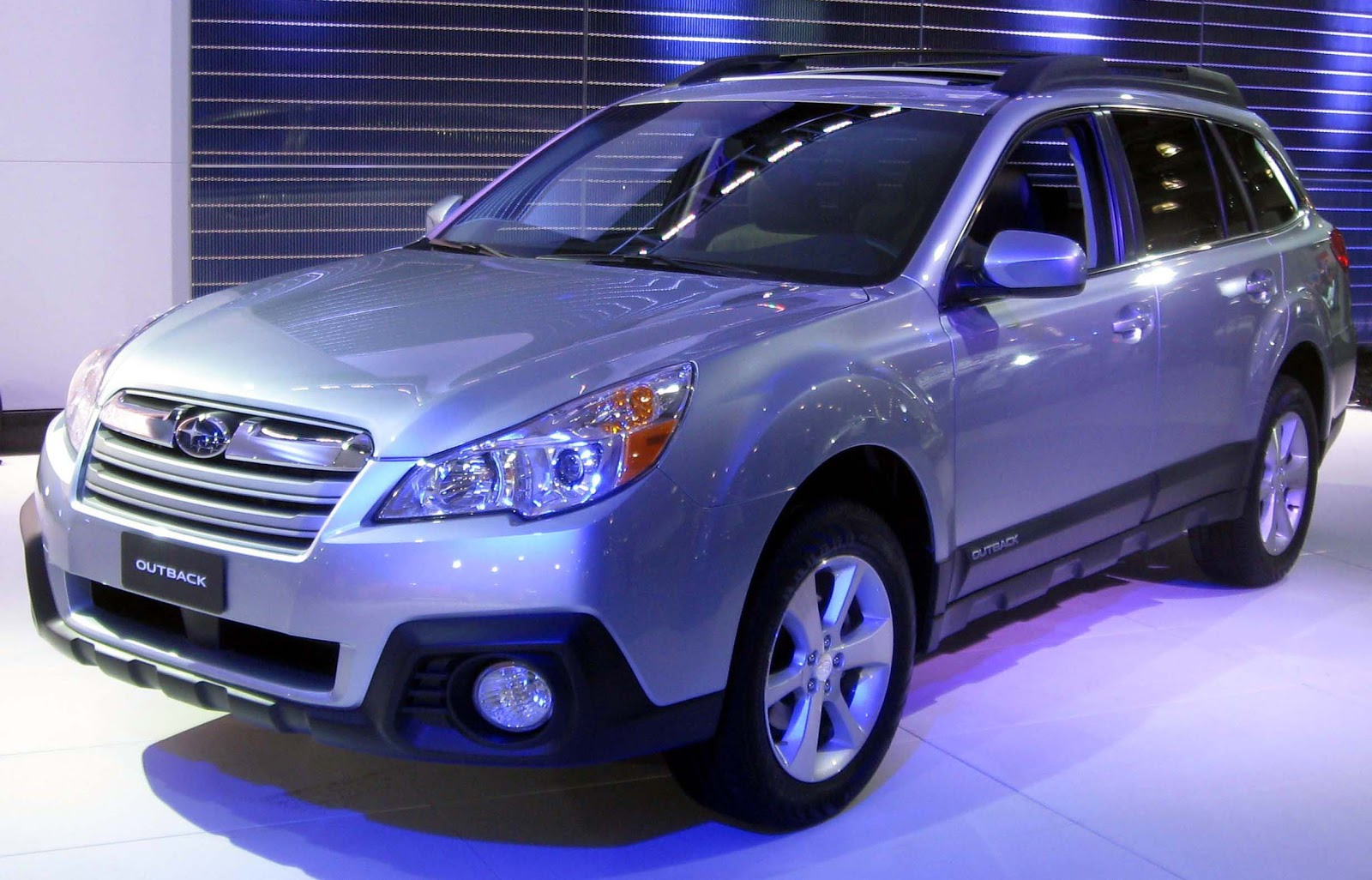2013 subaru outback review 4 cars and trucks. Black Bedroom Furniture Sets. Home Design Ideas