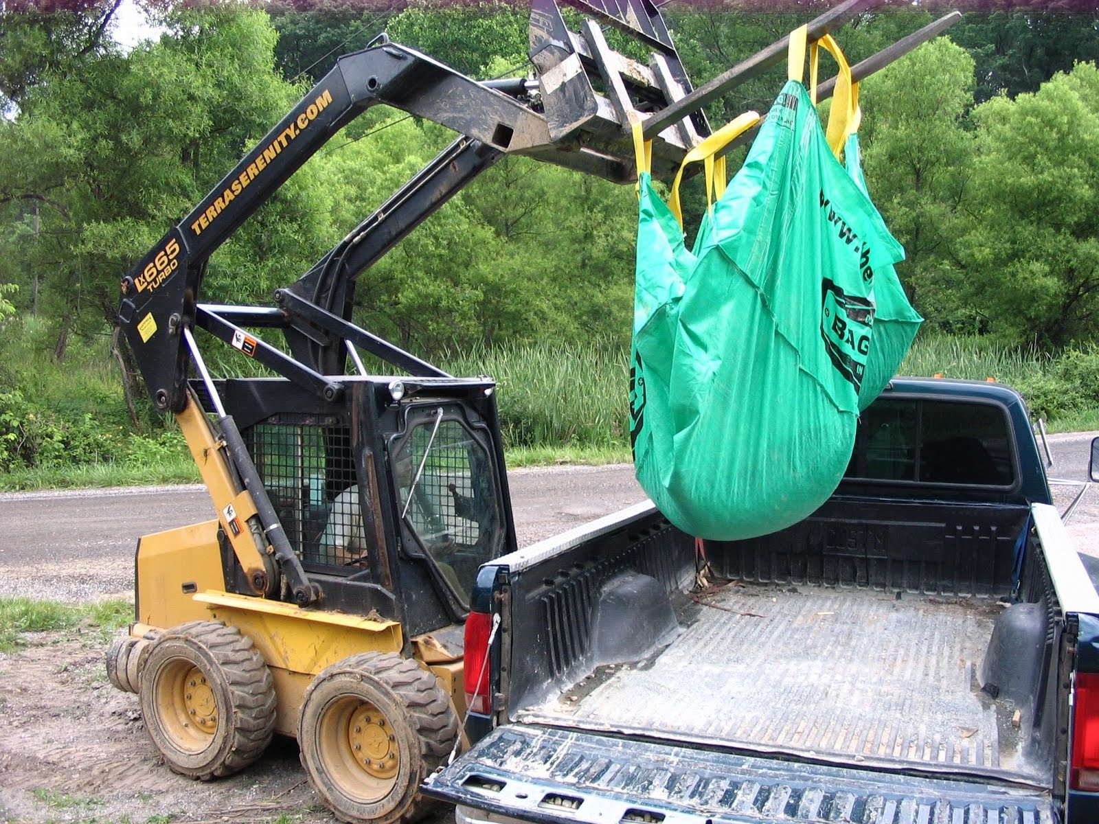 ROCKIN WALLS: Tool - Bagster dumpster