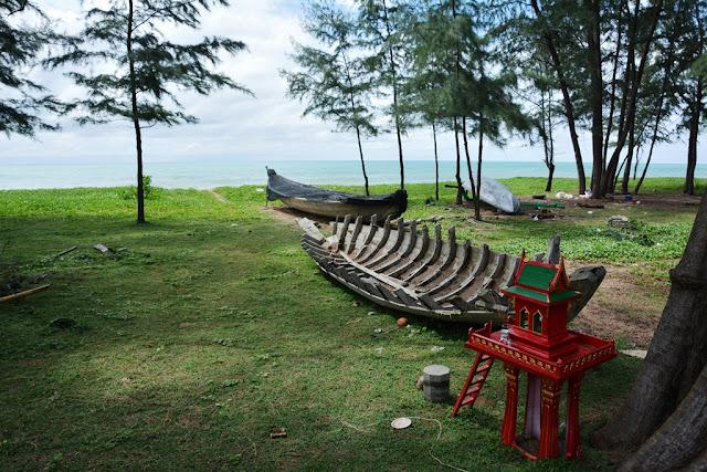 Mai Khao Beach boat