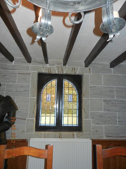 interieur medieval en pierre - travaux - pierre - pierre discount - travaux neuf - renvation - placage de pierre -
