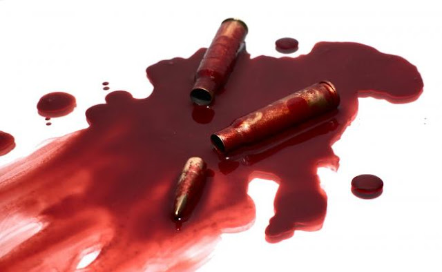 Ένοπλη επίθεση εναντίον διμοιρίας των ΜΑΤ που φρουρεί τα γραφεία του ΠΑΣΟΚ - Τραυματίστηκε αστυνομικός