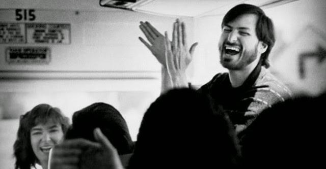 """Những bức ảnh hiếm hoi của Steve Jobs sau cú sốc """"đảo chính"""" tại Apple"""