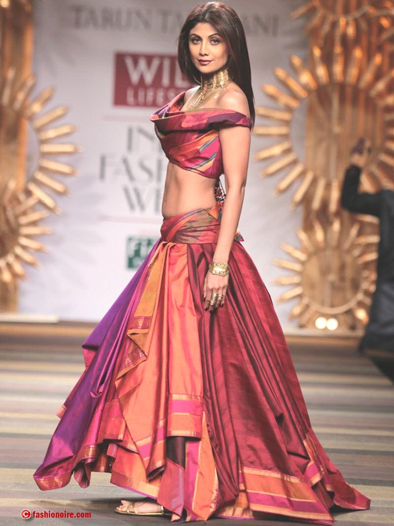 Wills Lifestyle India Fashion Week 2014 ( WIFW) -Tarun Tahiliani