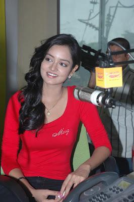 shanvi at 98.3 fm station photo gallery