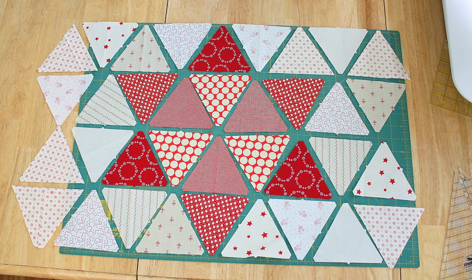 Quilt Designs With Triangles : Triangle star quilt block tutorial - Diary of a Quilter - a quilt blog