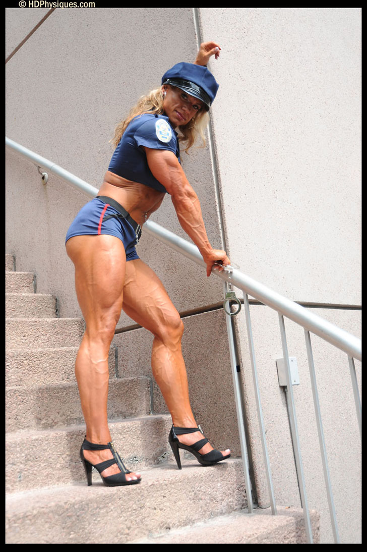 Tina Chandler Flexing Her Ripped Tricep And Muscular Legs